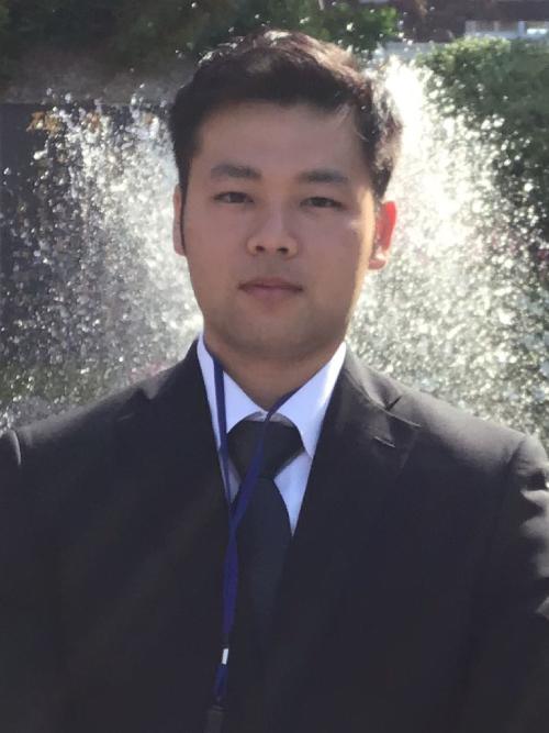 卒業生の写真